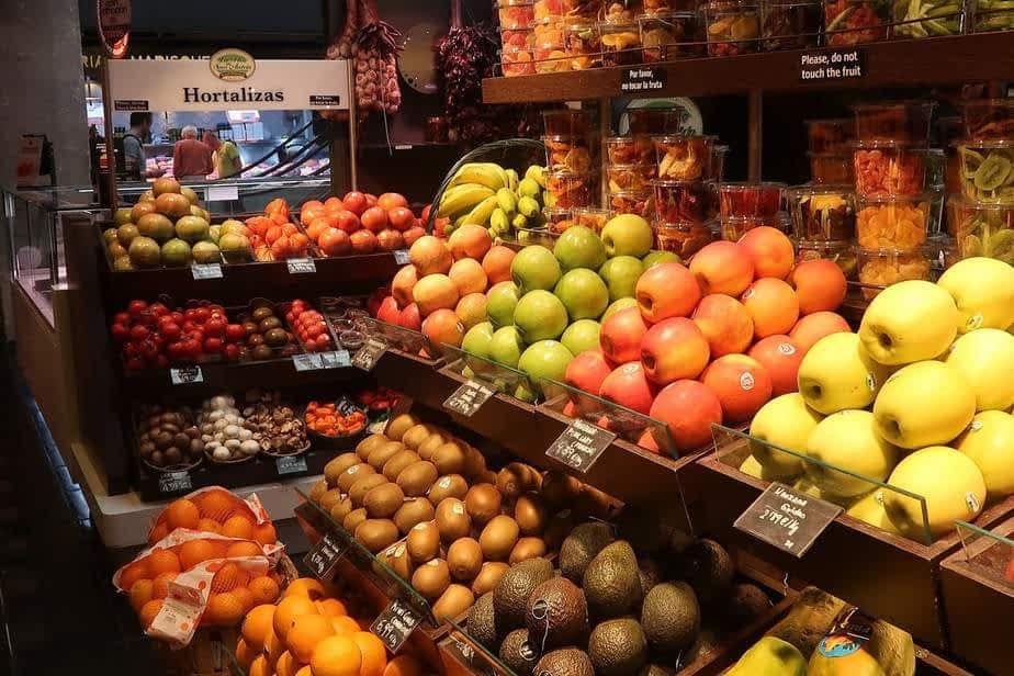Fruits et légumes au marché san Antón