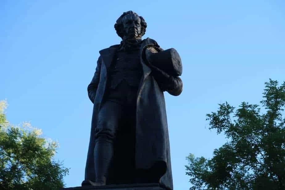 La statue de Goya devant l'entrée du Prado